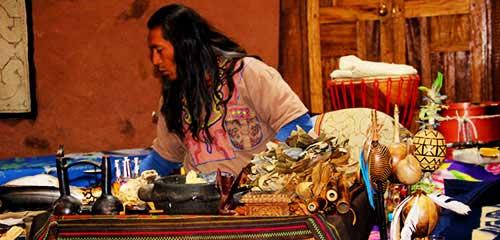 Шаман рядом с Куско церемония Айяуаска